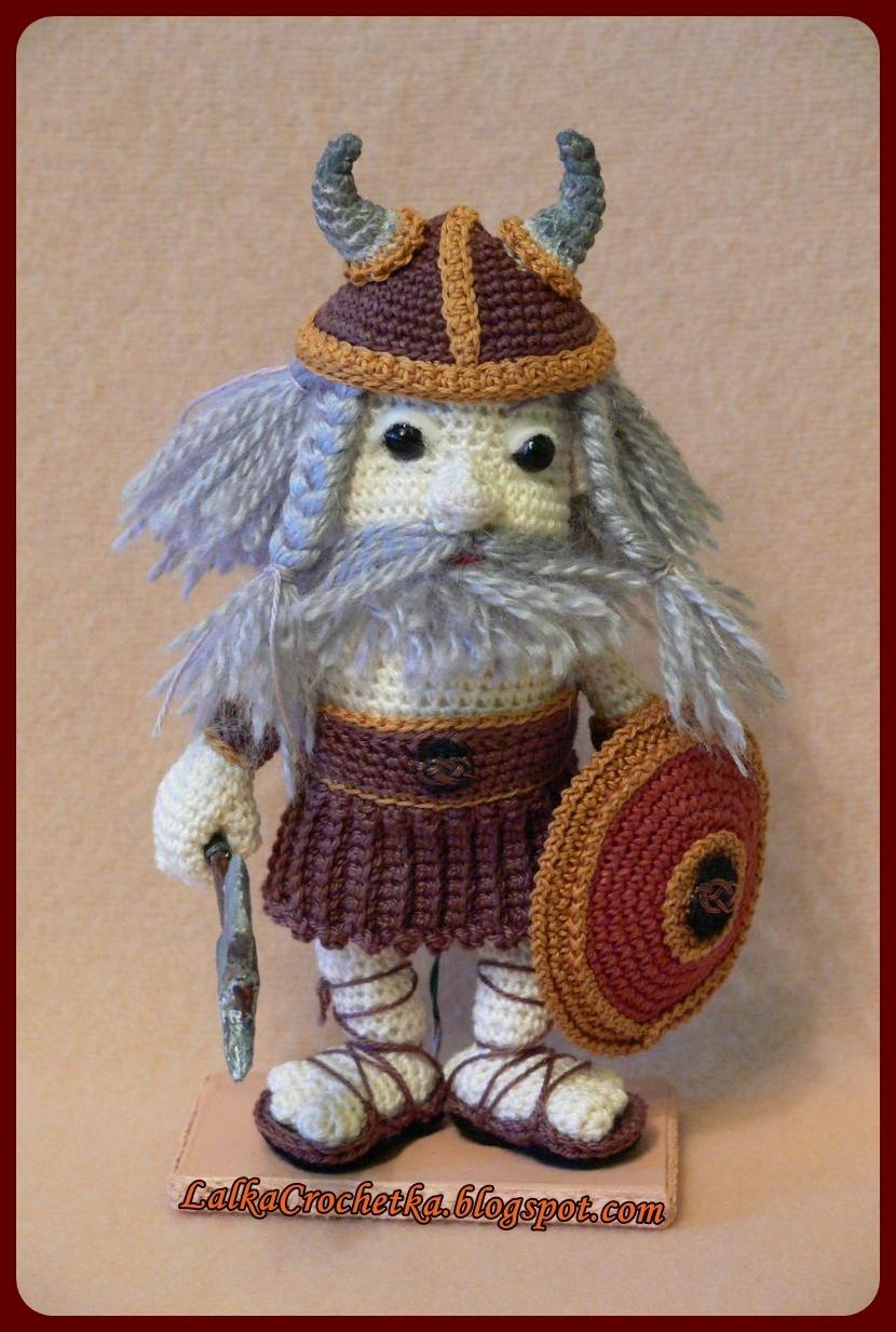 188 Crochet Pattern - Girl Doll in a Viking Monkey outfit ... | 1233x830