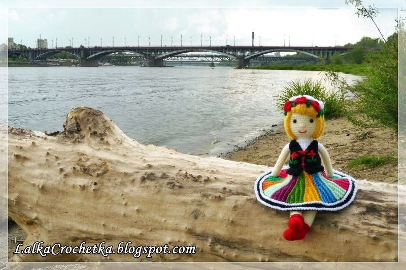 http://lalkacrochetka.blogspot.com/2016/05/dorotka-folk-doll-dorotka-owiczanka.html