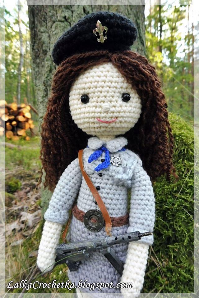 http://lalkacrochetka.blogspot.com/2016/08/doll-girl-scout-julka-lalka-harcerka.html