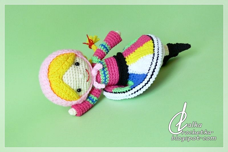 http://lalkacrochetka.blogspot.com/2018/11/the-chubby-dumpling-doll-lalka-pyza.html