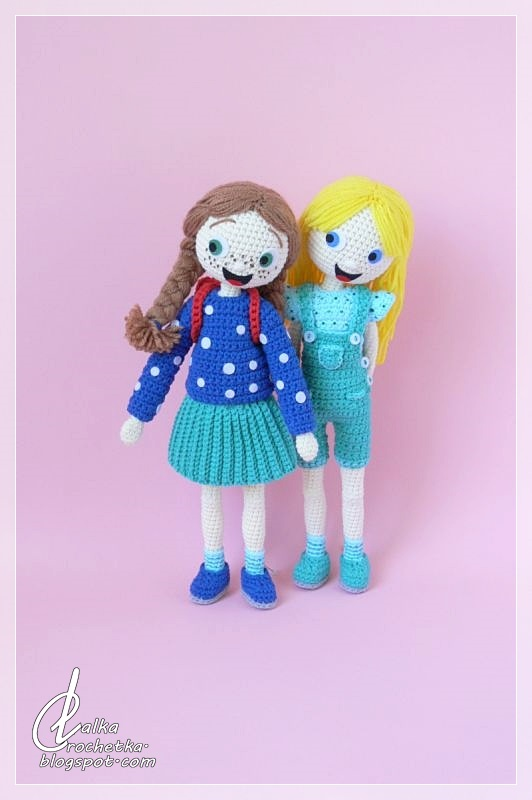 http://lalkacrochetka.blogspot.com/2020/01/vicky-and-patti-dolls-explore-world.html